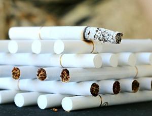 夜勤 ハゲ 薄毛 タバコ